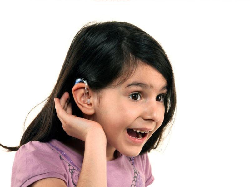 ακουστικα βαρηκοιας κοριτσι